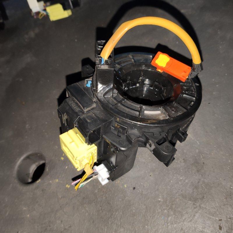 Шлейф-лента на air bag Toyota Prius ZVW30 2ZR (б/у)