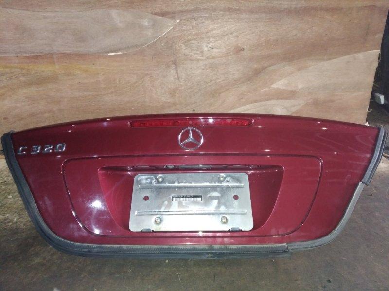 Крышка багажника Mercedes-Benz C320 задняя (б/у)