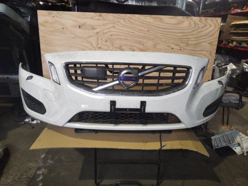 Бампер Volvo V60 (б/у)
