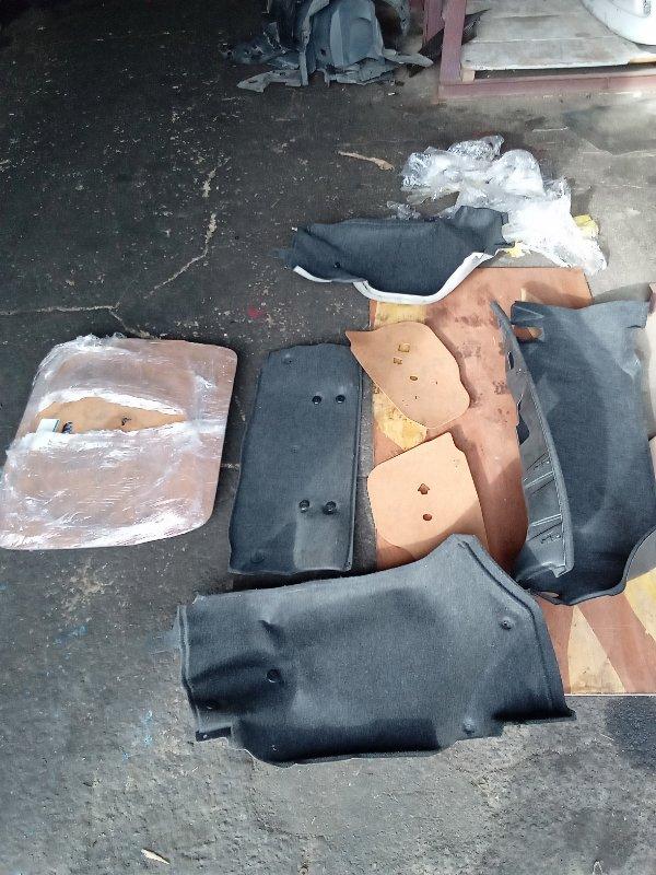Обшивка багажника Toyota Cresta GX90 1G задняя (б/у)