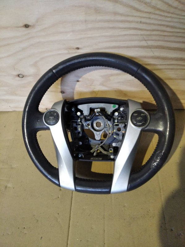 Руль Toyota Prius ZVW30 (б/у)