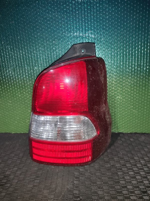 Стоп-сигнал Mazda Demio DW3W правый (б/у)