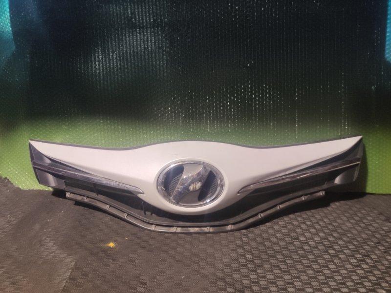 Решетка радиатора Toyota Vitz NCP131 (б/у)