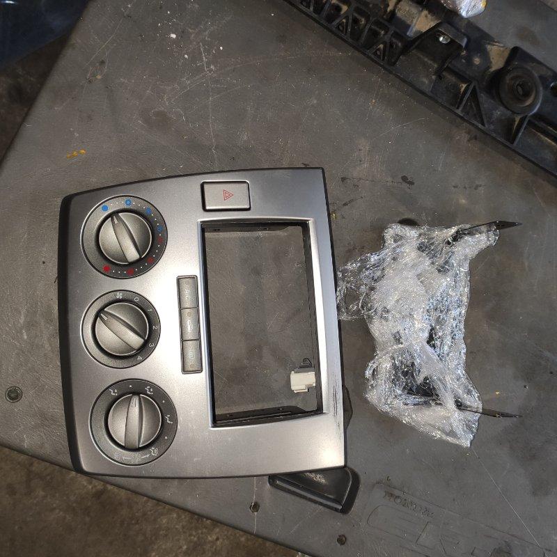 Консоль магнитофона Mazda Demio DW3W B3 (б/у)