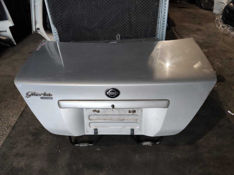 Крышка багажника Nissan Gloria HY34 (б/у)