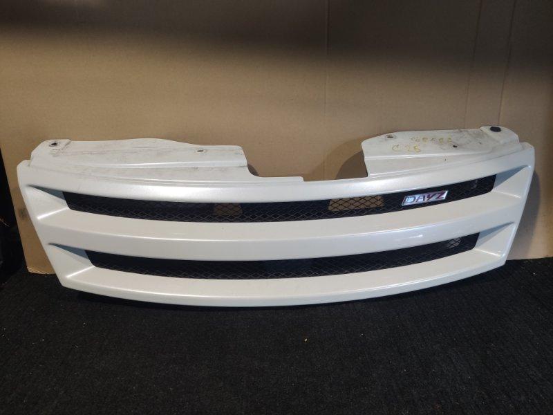 Решетка радиатора Nissan Serena C25 (б/у)