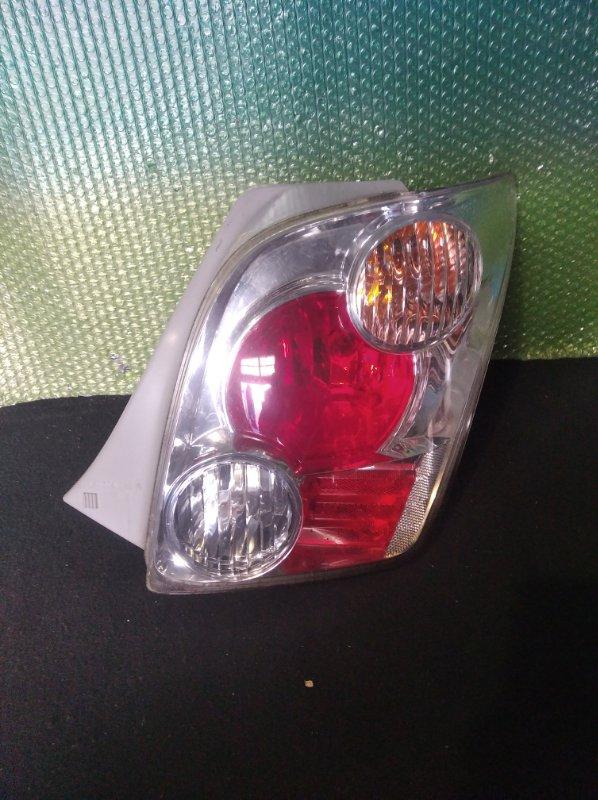 Стоп-сигнал Toyota Ist NCP60 правый (б/у)