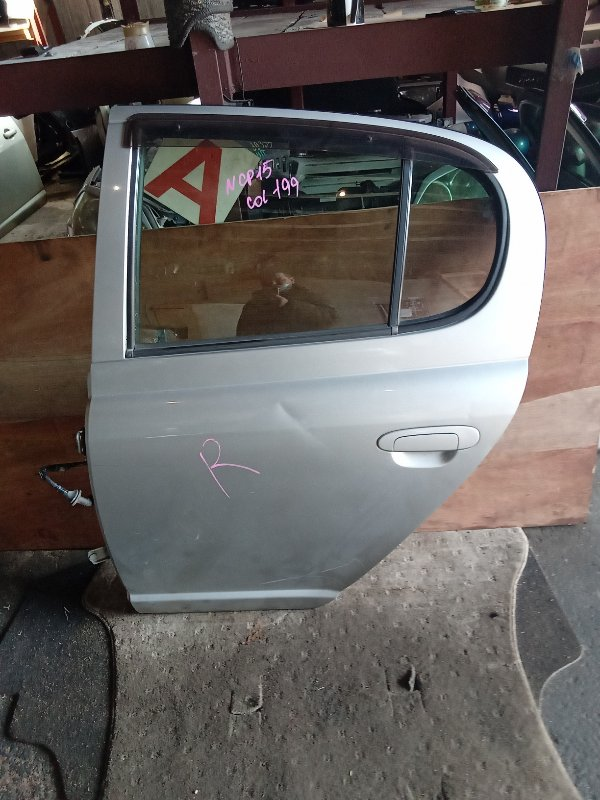 Дверь Toyota Vitz NCP15 задняя левая (б/у)