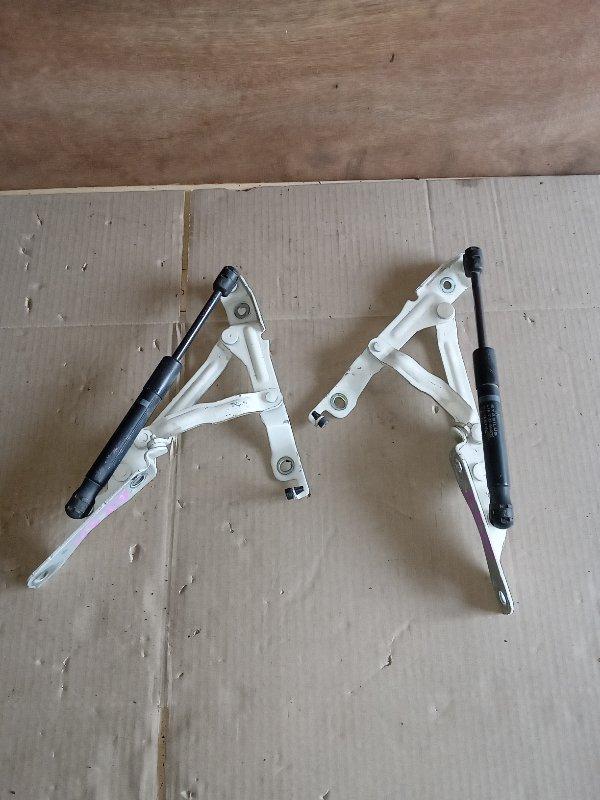 Крепление багажника Mazda Axela BK5P (б/у)