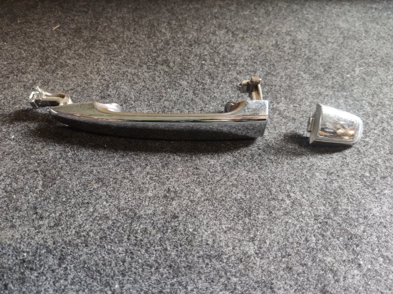 Ручка двери внешняя Toyota Noah ZRR70 задняя правая (б/у)