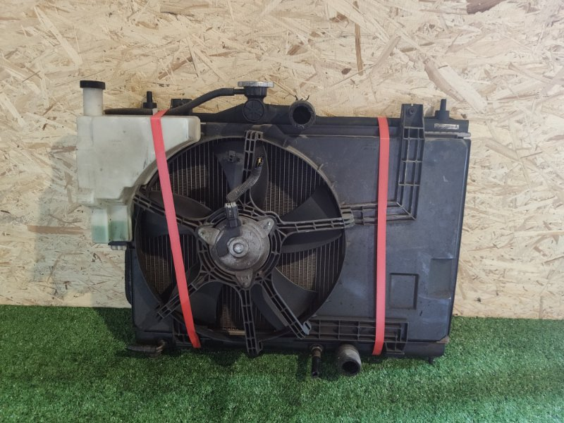 Радиатор Nissan Ad Y12 (б/у)
