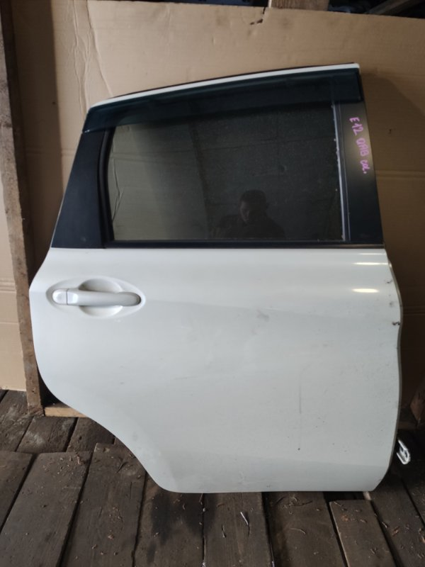 Дверь Nissan Note E12 задняя правая (б/у)