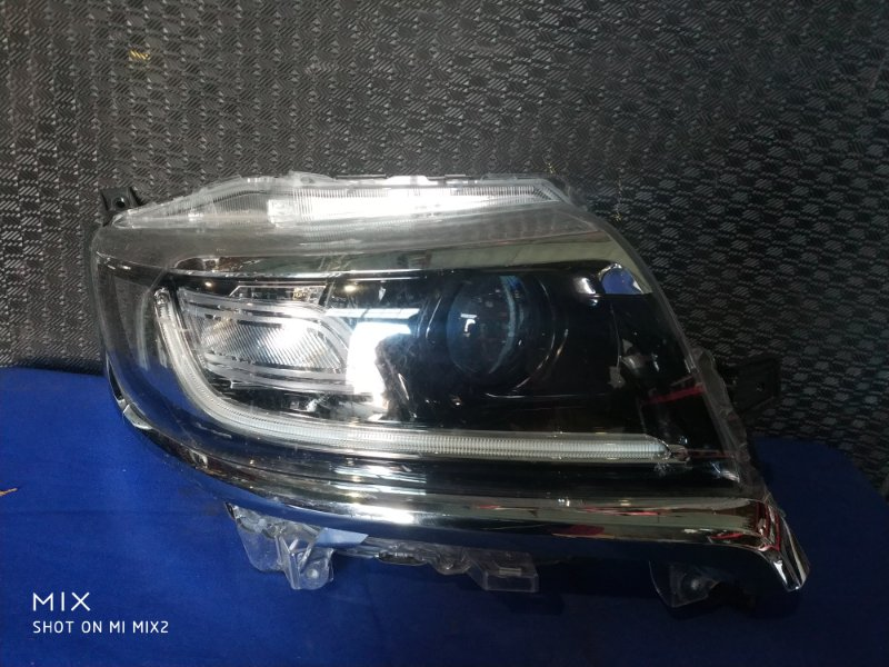 Фара Suzuki Spacia MK53S передняя правая (б/у)