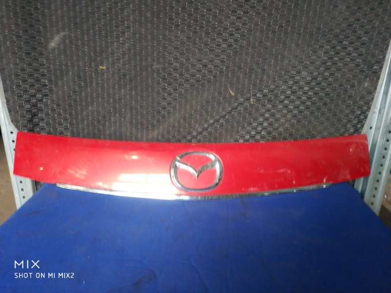 Накладка на капот Mazda Verisa DC5W (б/у)