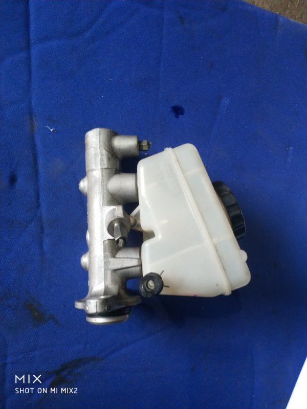 Главный тормозной цилиндр Toyota Crown JZS155 (б/у)