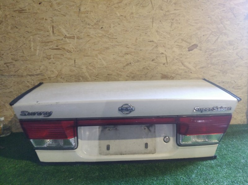 Крышка багажника Nissan Sunny B15 (б/у)