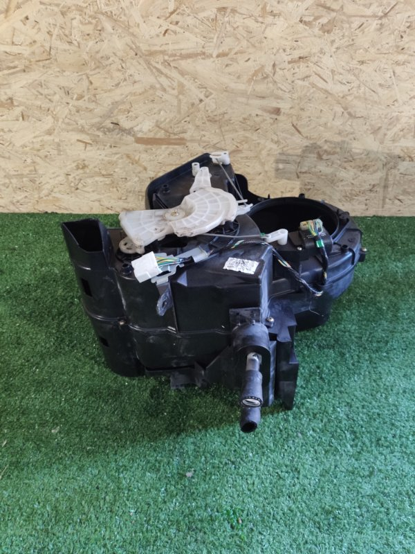 Радиатор печки Nissan Vanette SK82MN (б/у)