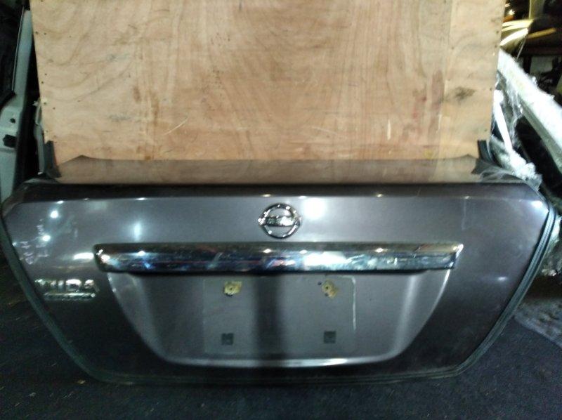 Крышка багажника Nissan Tiida Latio SC11 задняя (б/у)
