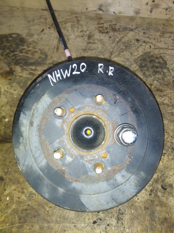 Ступица Toyota Prius NHW20 1NZ задняя правая (б/у)