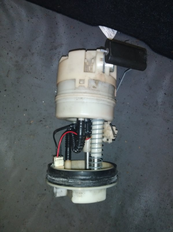 Топливный насос Nissan Cube YZ11 HR15 (б/у)