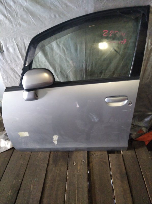 Дверь Mitsubishi Colt Z27W передняя левая (б/у)