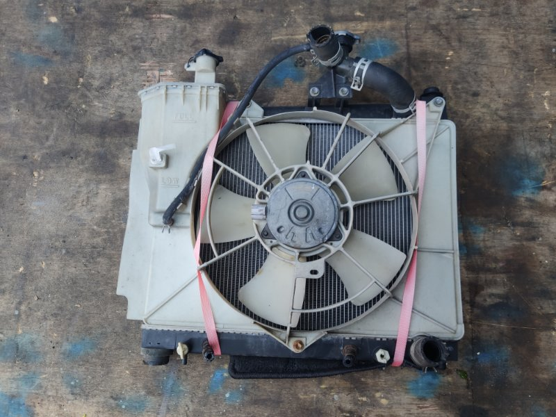 Радиатор Toyota Porte NNP11 1NZ (б/у)