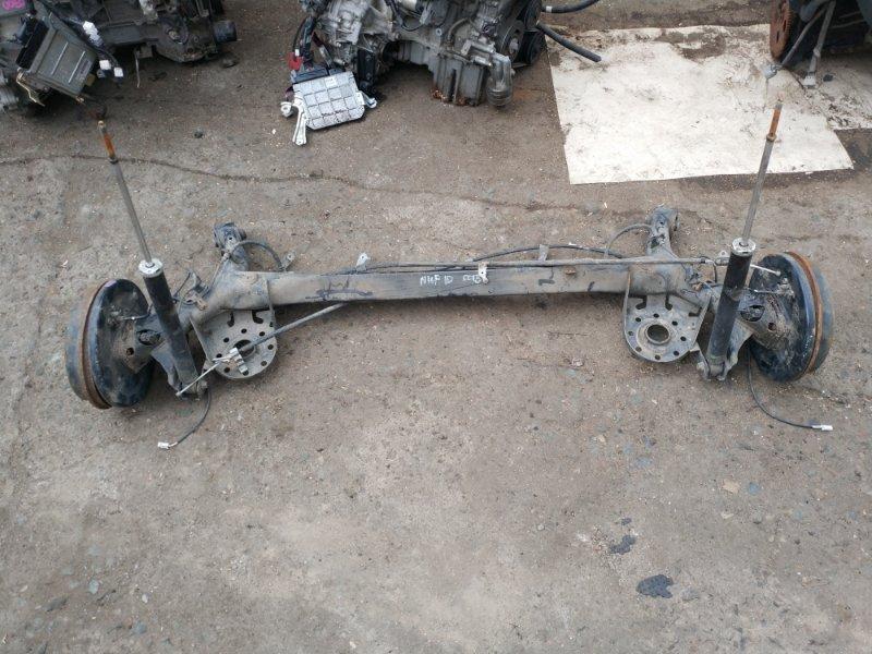 Балка со ступицами Toyota Aqua NHP10 задняя (б/у)