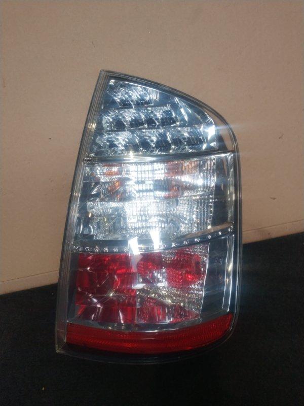 Стоп-сигнал Toyota Prius NHW20 передний правый (б/у)