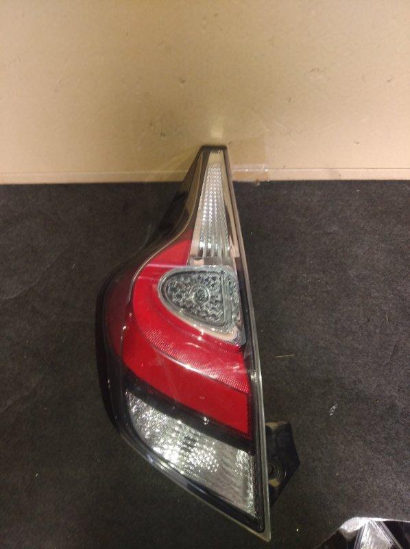 Стоп-сигнал Toyota Aqua NHP10 задний левый (б/у)