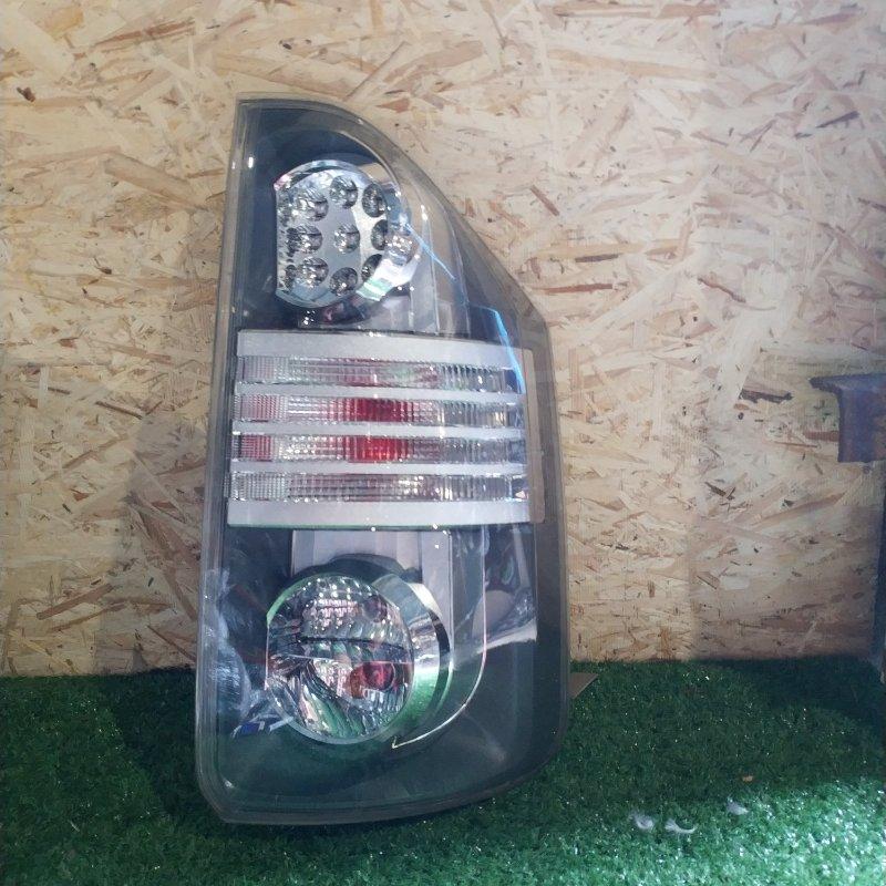 Стоп-сигнал Toyota Voxy ZRR70 задний правый (б/у)