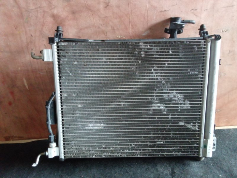 Радиатор охлаждения Nissan Note E12 HR12DDR (б/у)