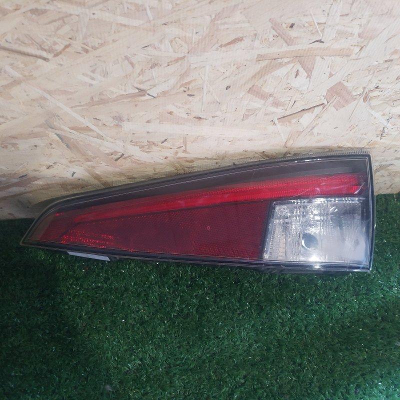 Стоп-сигнал Toyota Prius ZVW50 задний правый (б/у)