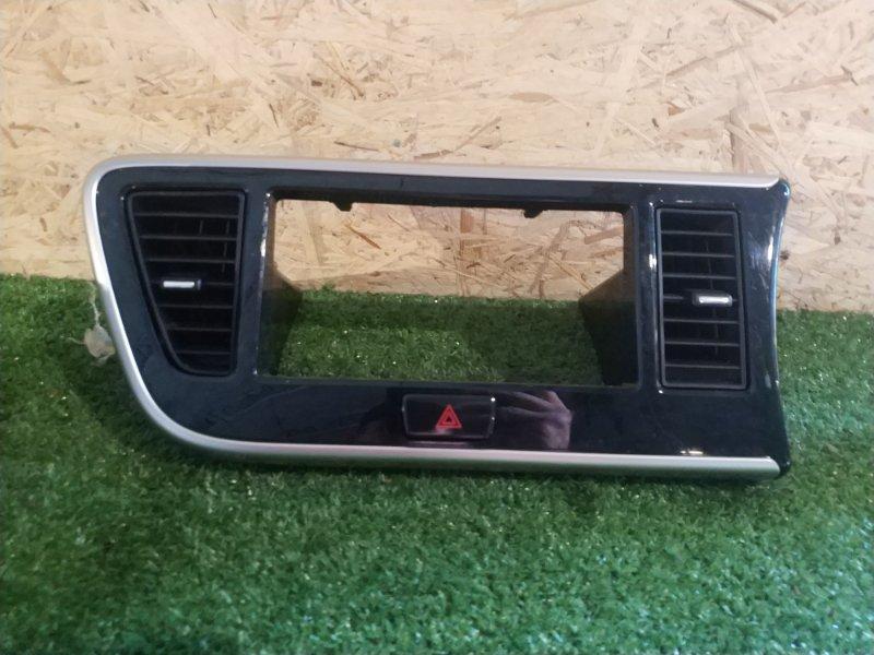 Консоль магнитофона Nissan Dayz Roox B21A (б/у)