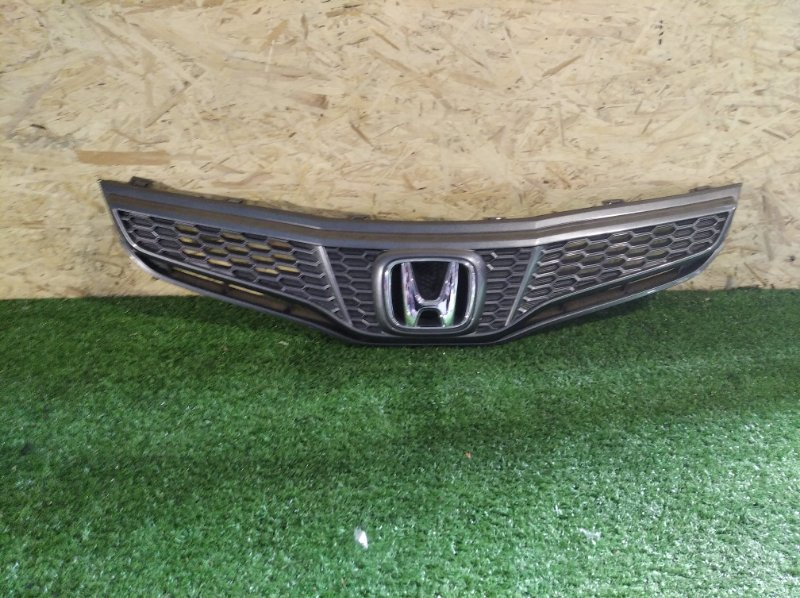 Решетка радиатора Honda Fit GE6 (б/у)