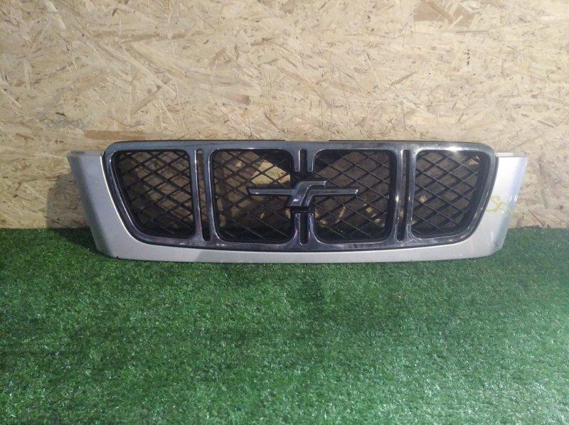 Решетка радиатора Subaru Forester SF5 (б/у)