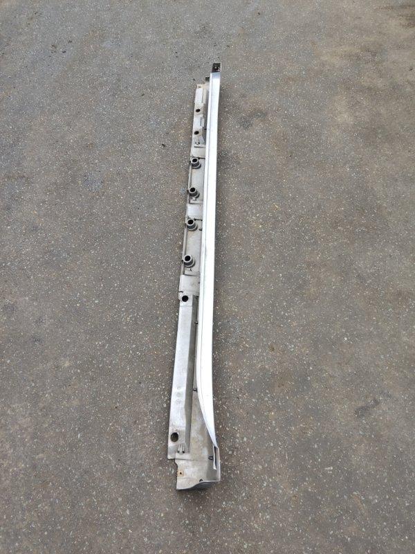 Порог Toyota Prius ZVW30 правый (б/у)