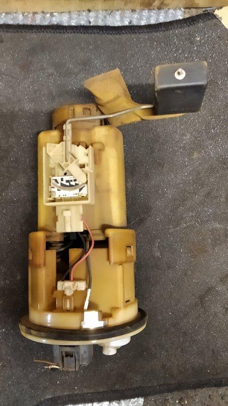 Топливный насос Toyota Vitz SCP10 1NZ (б/у)