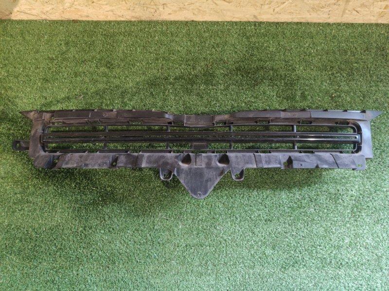 Решетка бамперная Toyota Voxy ZRR70 (б/у)
