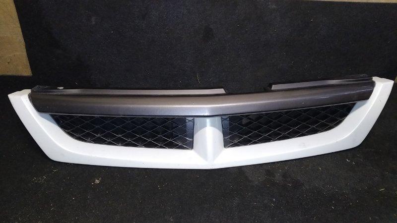 Решетка радиатора Nissan Wingroad Y11 (б/у)