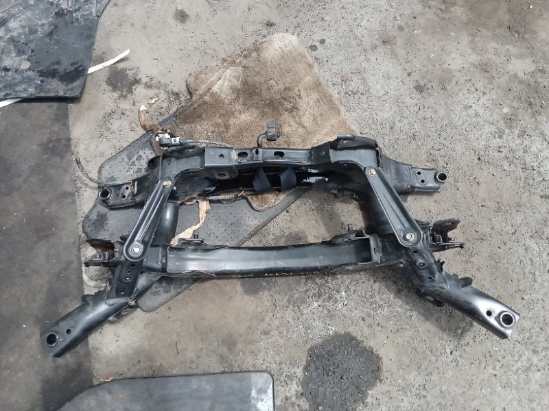 Балка подвески Toyota Rav4 ACA31 2AZ-FE задняя (б/у)