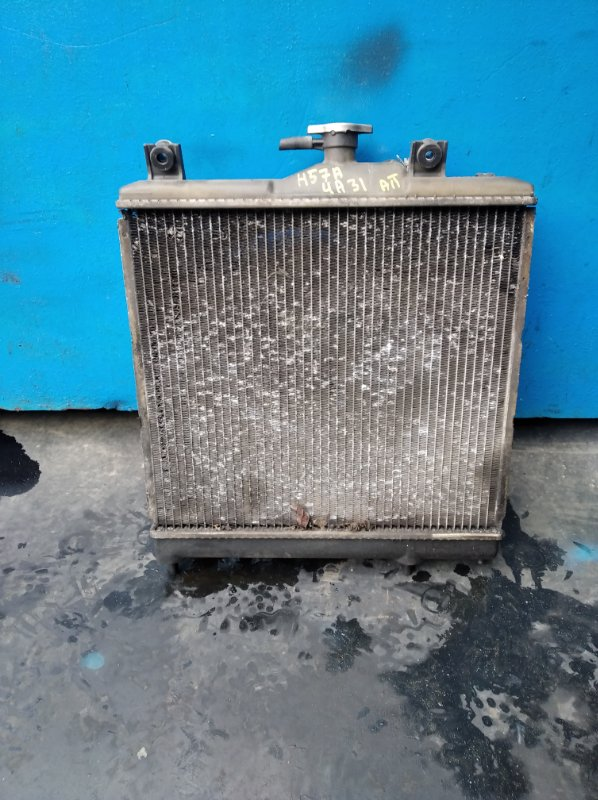 Радиатор охлаждения Mitsubishi Pajero Junior H57A 4A31 (б/у)