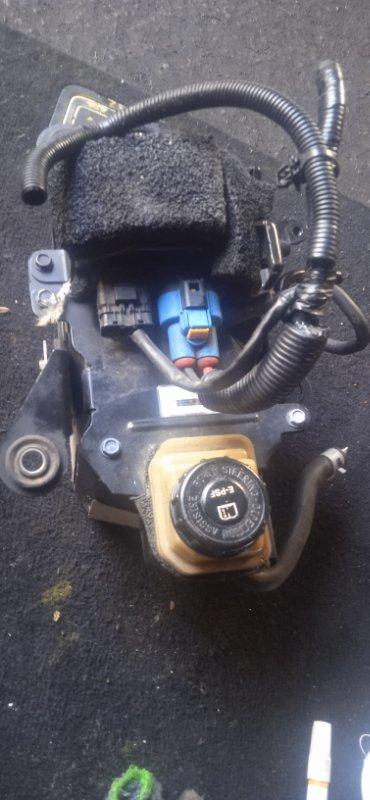 Главный тормозной цилиндр Nissan Elgrand E52 (б/у)