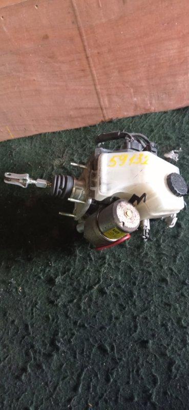 Главный тормозной цилиндр Toyota Progres JCG10 (б/у)