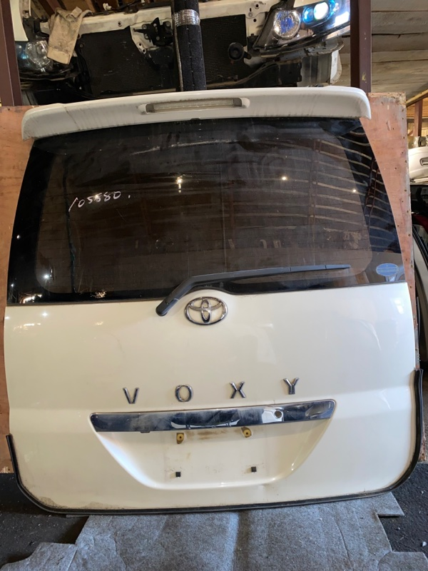 Дверь 5-я Toyota Voxy AZR60 (б/у)