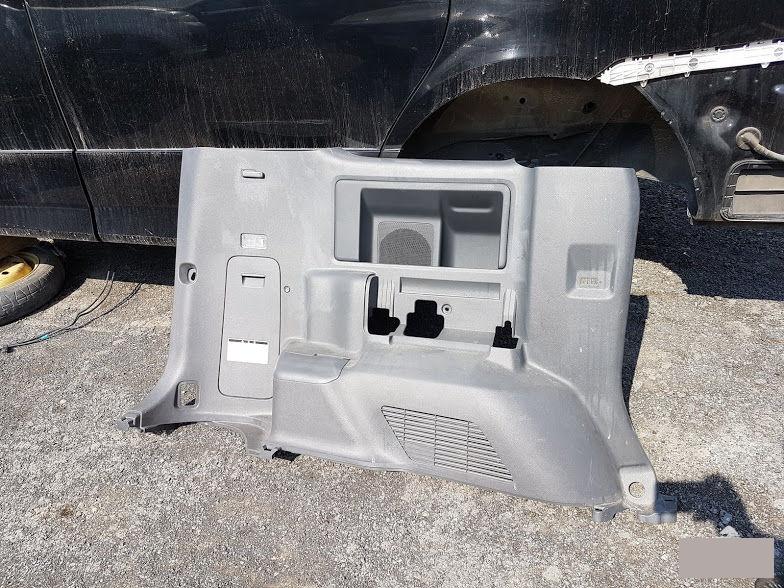 Обшивка багажника Toyota Noah ZRR70 3ZR 2009 задняя левая (б/у)