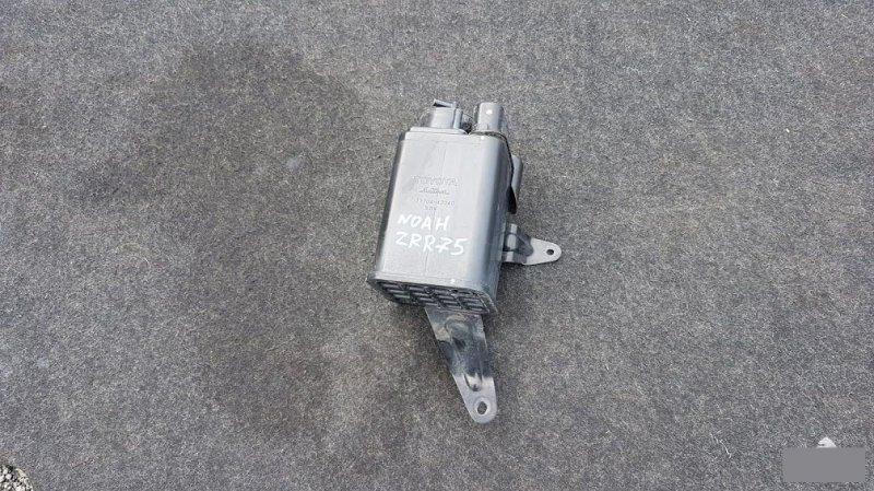 Фильтр паров топлива Toyota Noah ZRR70 3ZR 2009 (б/у)
