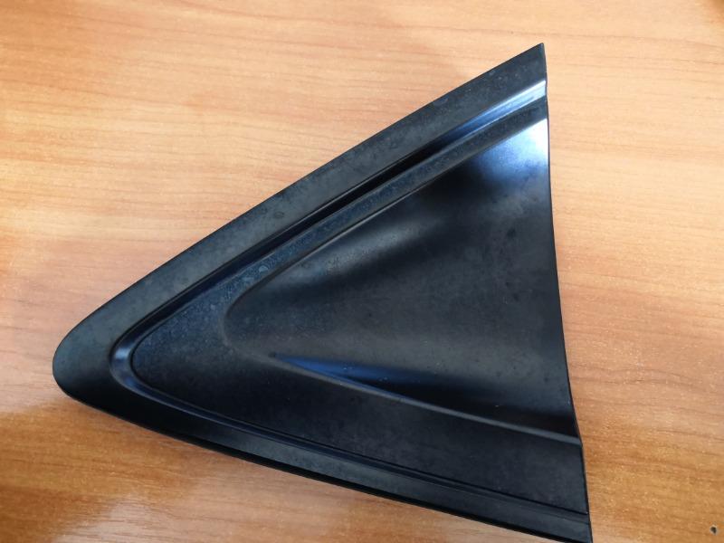Уголок крыла Honda Vezel RU1 L15B 2014 задний левый (б/у)