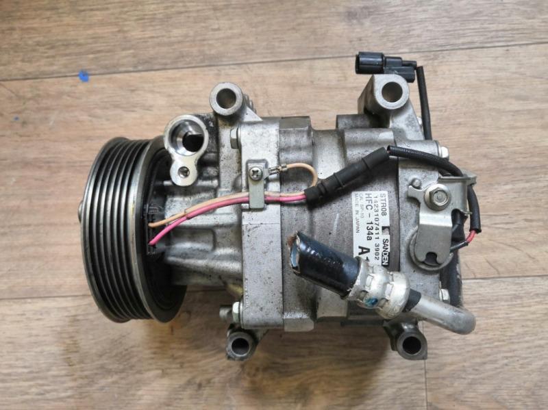 Компрессор кондиционера Honda Vezel RU1 L15B (б/у)