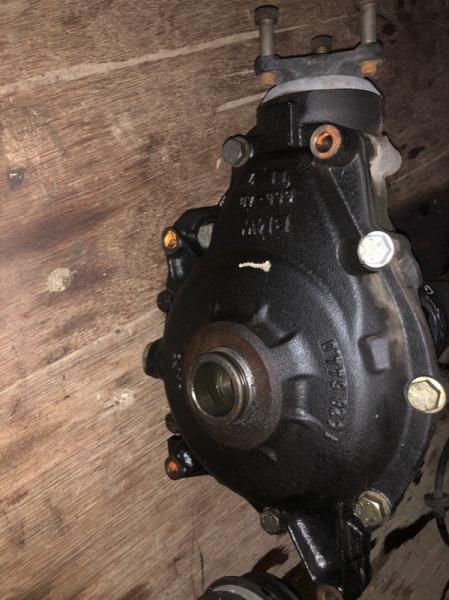 Редуктор Bmw X5 E53 M62B44 2002 передний (б/у)