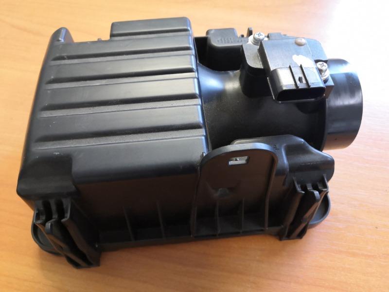 Корпус воздушного фильтра Honda Vezel RU1 (б/у)
